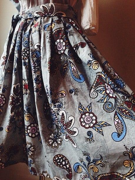"""Фото 6 - Льняная ткань """"Восточный сад"""" (серая, грунт)."""