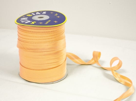 Фото 3 - Косая бейка светло-желтая.