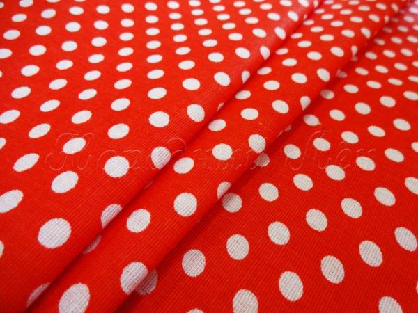 Фото 3 - Ткань плательная белый горох на красном.