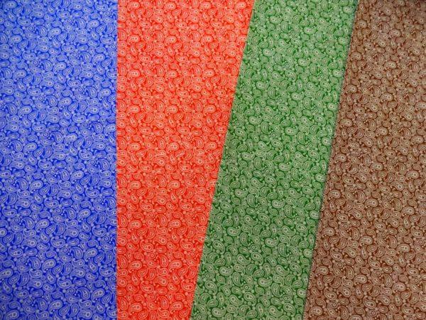 Фото 6 - Ткань плательная  белые огурцы на красном.