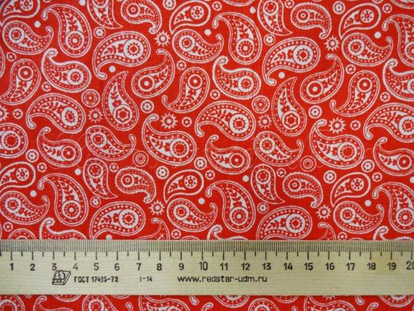Фото 5 - Ткань плательная  белые огурцы на красном.