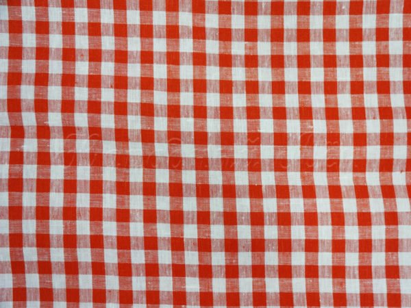 Фото 5 - Ткань скатертная красно-белая  клетка.