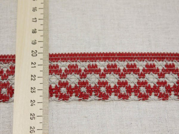 Фото 6 - ТЕСЬМА ВЯЗАНАЯ ОТДЕЛОЧНАЯ льняная  с  красным 46мм.