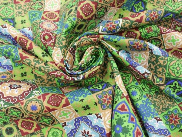 """Фото 5 - Ткань плательная """"Персидские мотивы"""" зеленая."""