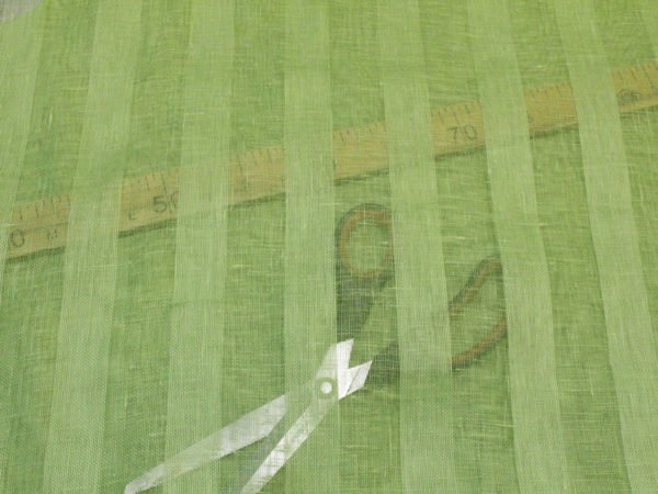Фото 5 - Вуаль светло-зеленая, ширина 2.6м  лен 100%.
