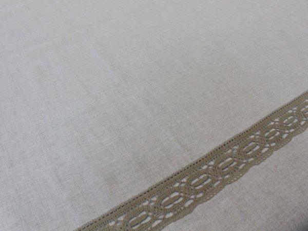 Фото 5 - Скатерть льняная  суровая с кружевной  отделкой.