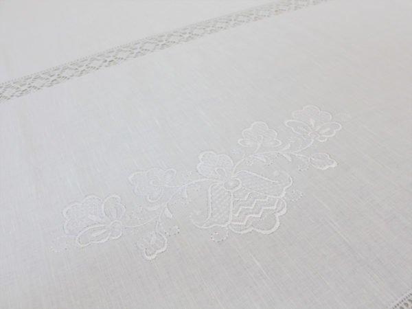 Фото 8 - Скатерть льняная с  кружевной  прошвой с салфетками.