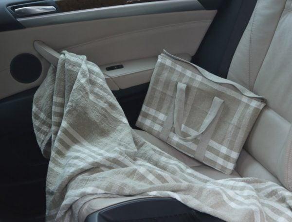 "Фото 3 - Плед-сумка для автомобилиста ""Клетка""."