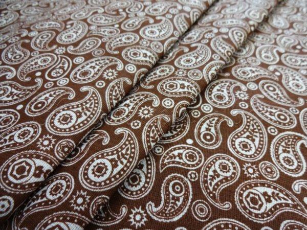Фото 3 - Ткань плательная  белые огурцы на коричневом.