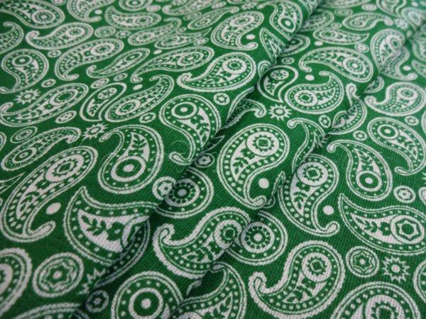 Фото 3 - Ткань плательная  белые огурцы на зеленом.