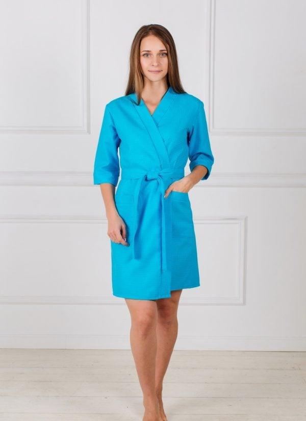 Фото 3 - Женский укороченный вафельный халат с планкой.