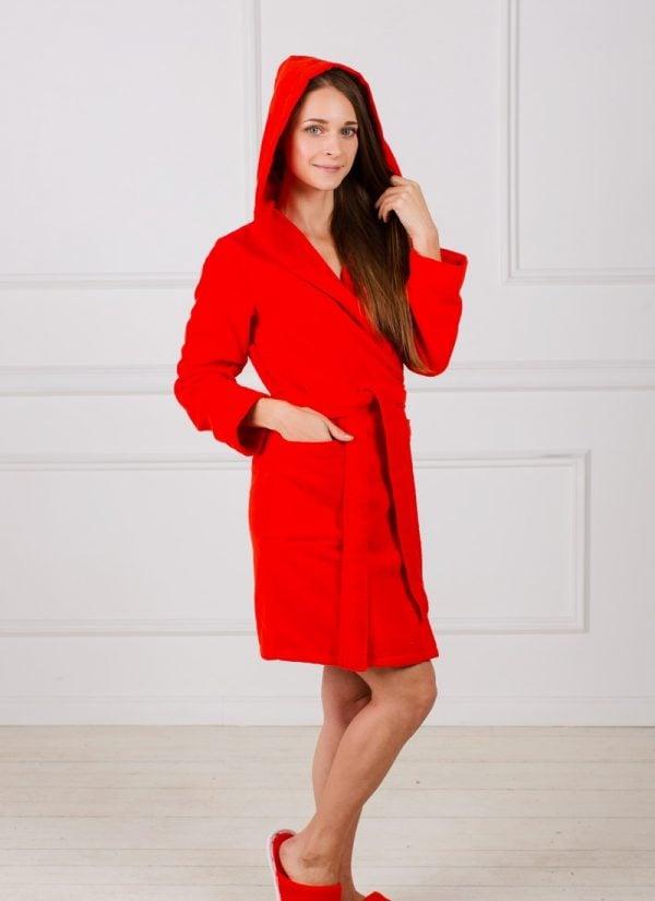 Фото 3 - Махровый женский укороченный халат с капюшоном.