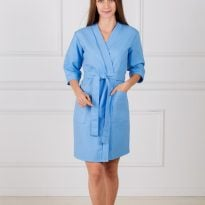 Фото 18 - Женский укороченный вафельный халат с планкой.