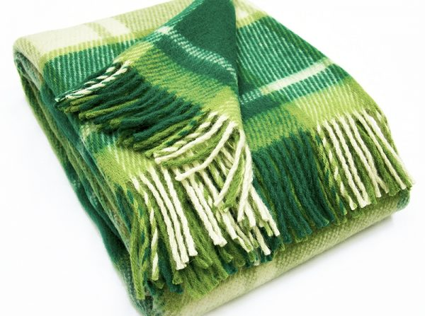 Плед 100% шерсть  цвет светло-зеленый