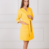 Фото 14 - Женский укороченный вафельный халат с планкой.