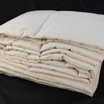 Фото 16 - Одеяло стеганое с льняным наполнитетелем 150г/м.